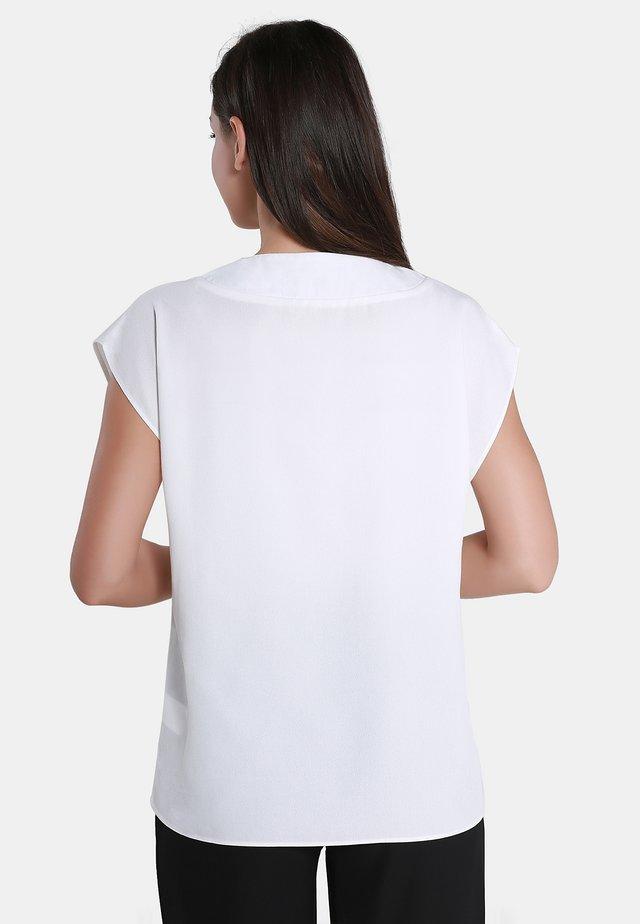Bluzka - woolen white