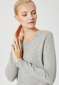 usha - Sweter - light grey melange - 3