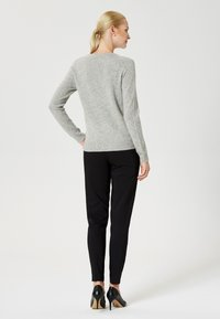 usha - Sweter - light grey melange - 2