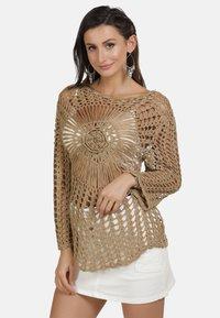 usha - PULLOVER - Stickad tröja - sand - 0