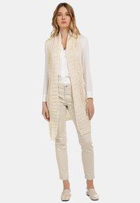 usha - LONGWESTE - Cardigan - woolen white - 0