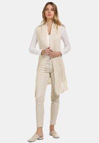 usha - LONGWESTE - Cardigan - woolen white - 1