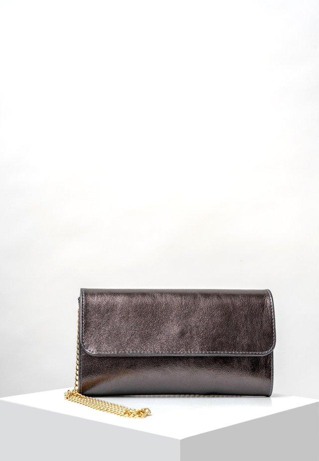 Clutch - grey