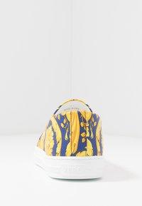 Versace - Slipper - bluette/oro - 3