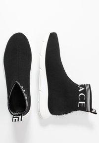 Versace - ALTA CALZINO  - Baskets montantes - nero/bianco - 1