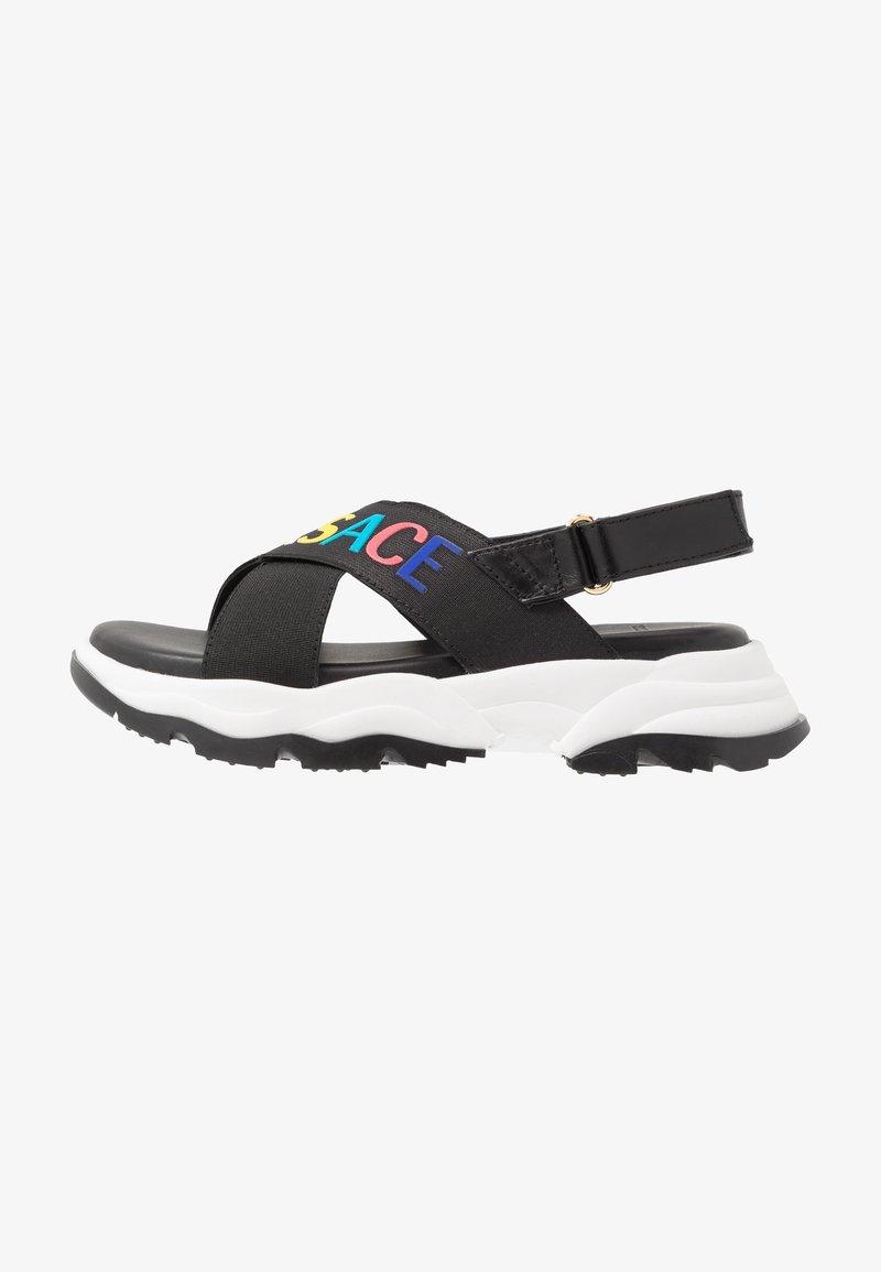Versace - ELASTICI LOGO - Sandals - nero/oro caldo