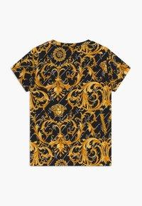 Versace - MANICA CORTA - T-shirt imprimé - nero - 1