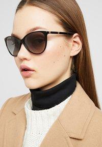 Versace - Lunettes de soleil - black - 1