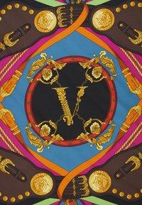 Versace - FOULARD  - Scarf - nero/rosso - 1