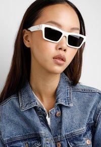 Versace - Sonnenbrille - white - 1
