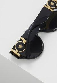 Versace - Lunettes de soleil - black - 4