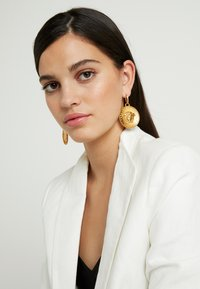 Versace - EARRINGS - Øreringe - gold-coloured - 1