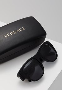 Versace - Sunglasses - black - 2