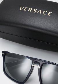 Versace - Solbriller - blue - 2