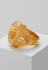 Versace - Prsten - gold-coloured - 5