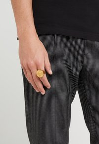 Versace - Ring - gold-coloured - 1
