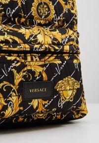 Versace - ZAINO SETA TRAPUNTATA ST. - Reppu - nero - 2