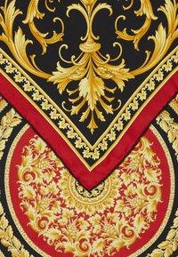 Versace - Šátek - rosso - 1