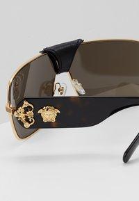 Versace - Sonnenbrille - gold-coloured - 5