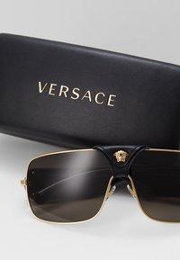 Versace - Sonnenbrille - gold-coloured - 2