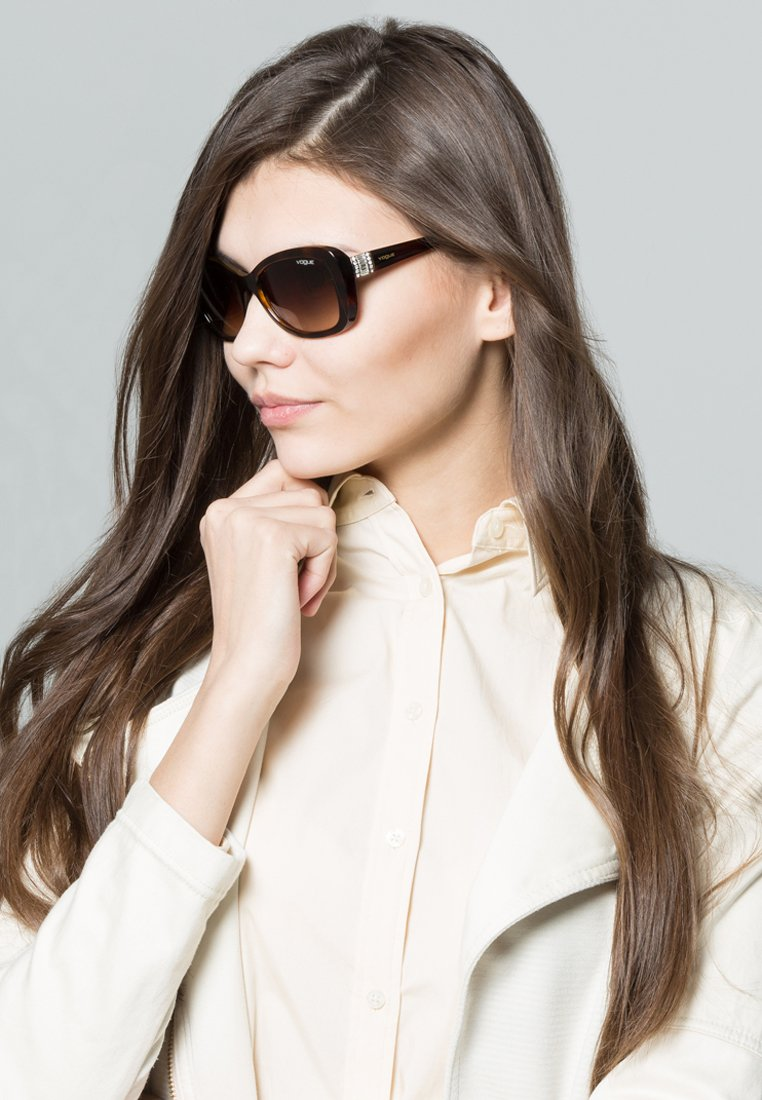 VOGUE Eyewear - Occhiali da sole - brown