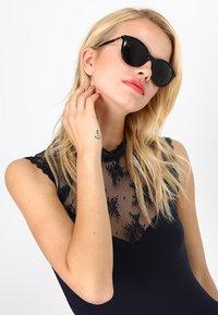 VOGUE Eyewear - Occhiali da sole - black - 1