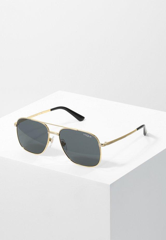 GIGI HADID - Sluneční brýle - grey