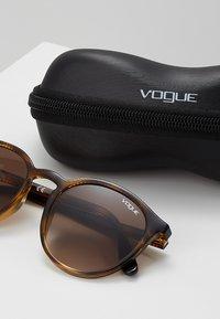 VOGUE Eyewear - Sonnenbrille - dark havana - 3