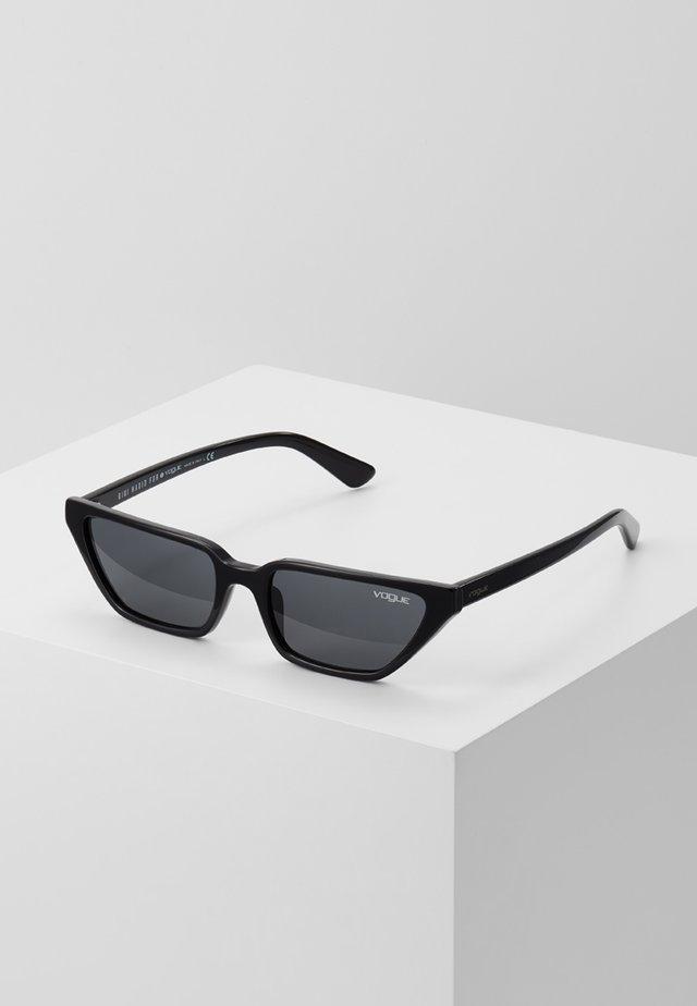 GIGI HADID - Sunglasses - black