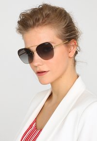 VOGUE Eyewear - Zonnebril - gold-coloured - 1
