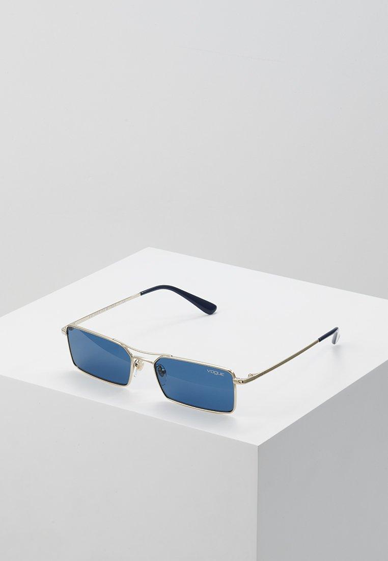 VOGUE Eyewear - GIGI HADID - Gafas de sol - pale gold