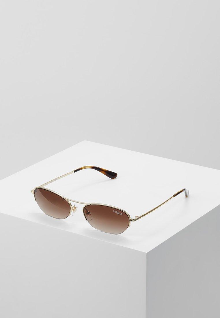 VOGUE Eyewear - GIGI HADID - Occhiali da sole - pale gold-coloured