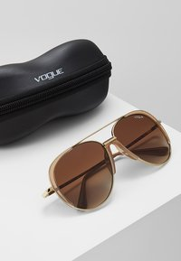 VOGUE Eyewear - Solbriller - pale gold-coloured