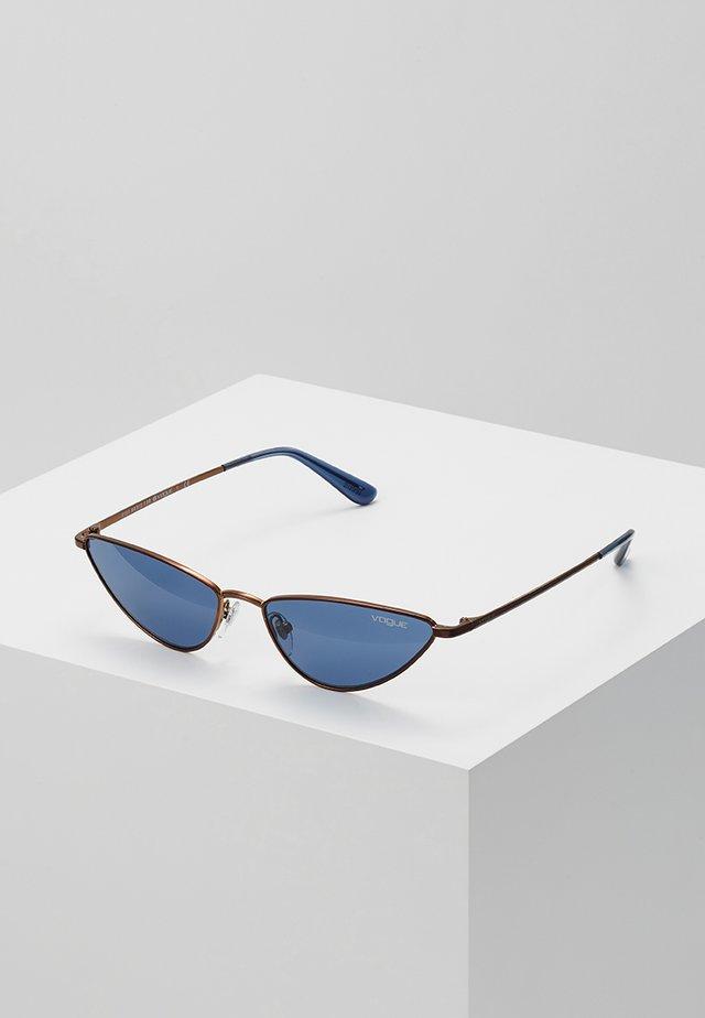 GIGI HADID LA FAYETTE - Sluneční brýle - copper