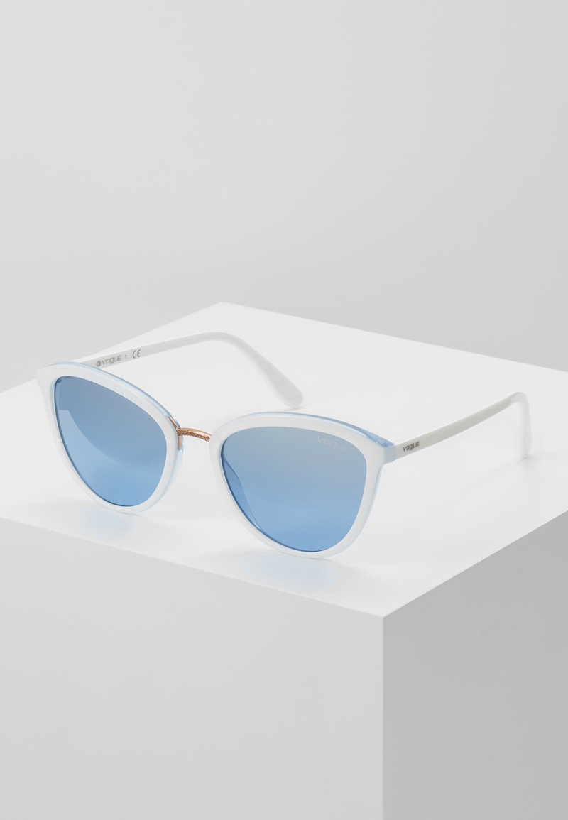VOGUE Eyewear - Gafas de sol - white/light blue