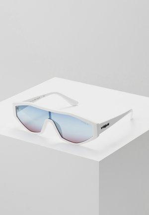 GIGI HADID HIGHLINE - Sunglasses - white