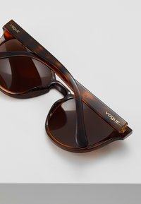 VOGUE Eyewear - Gafas de sol - top dark havana/light brown - 4