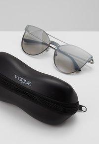 VOGUE Eyewear - Sluneční brýle - gunmetal - 2