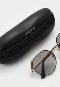 VOGUE Eyewear - Sonnenbrille - gold-coloured/black - 2