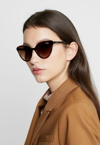 VOGUE Eyewear - Sonnenbrille - brown - 1