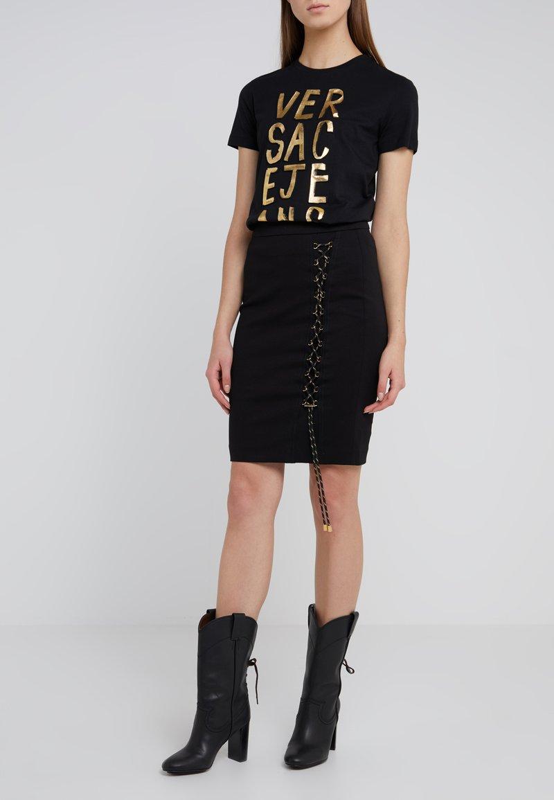 Versace Jeans - Pennkjol - nero