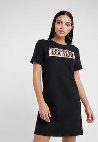 Versace Jeans Couture - Korte jurk - nero - 0