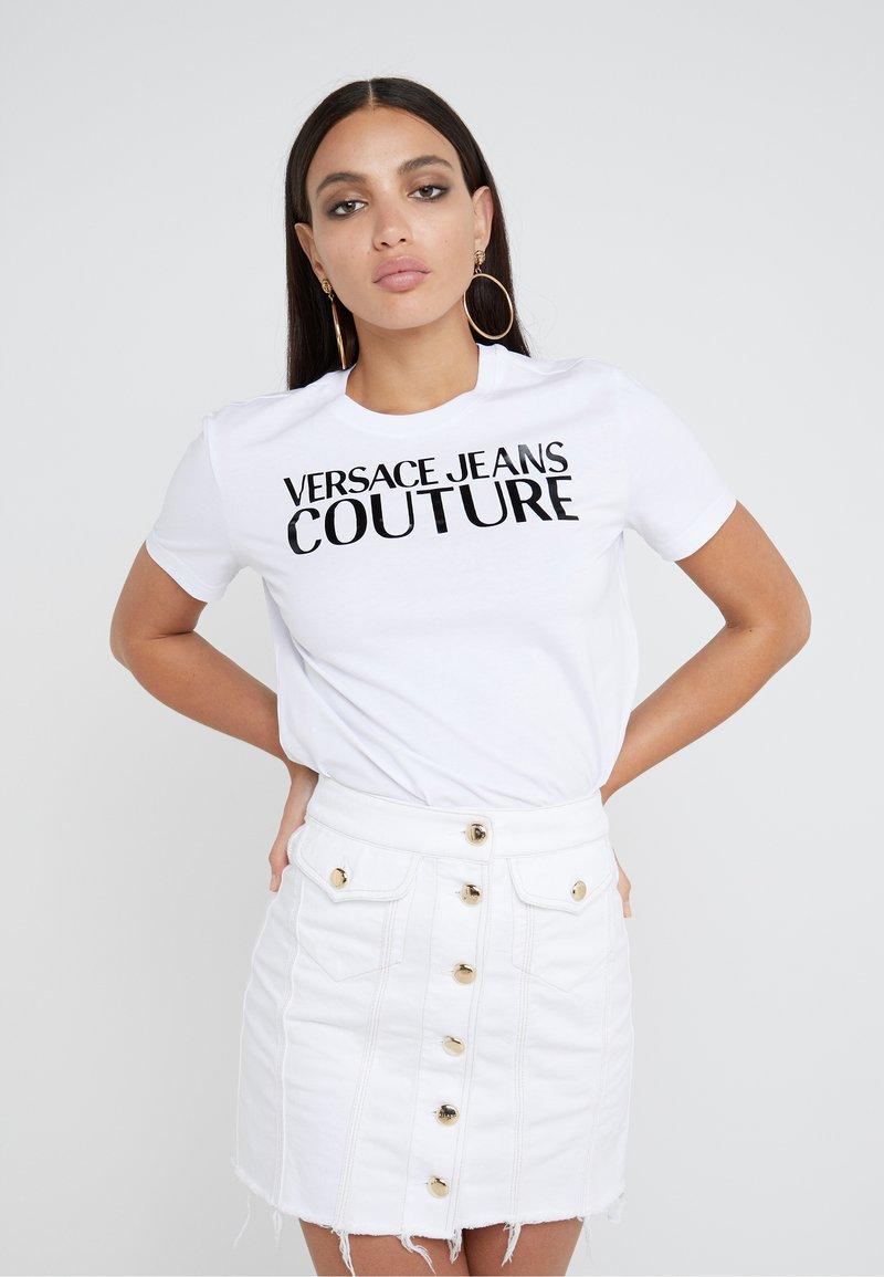 Jeans Couture T shirt Imprimé Ottico Bianco Versace k0nwP8O