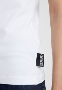 Versace Jeans Couture - T-shirt med print - bianco ottico - 3