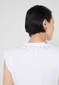Versace Jeans Couture - T-shirt imprimé - bianco ottico - 3