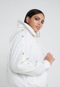 Versace Jeans Couture - Veste d'hiver - bianco ottico - 6