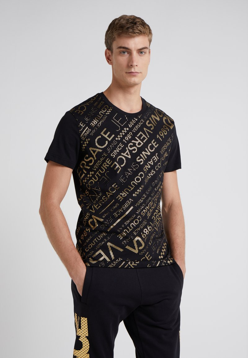 Versace Jeans - T-shirts med print - black/gold