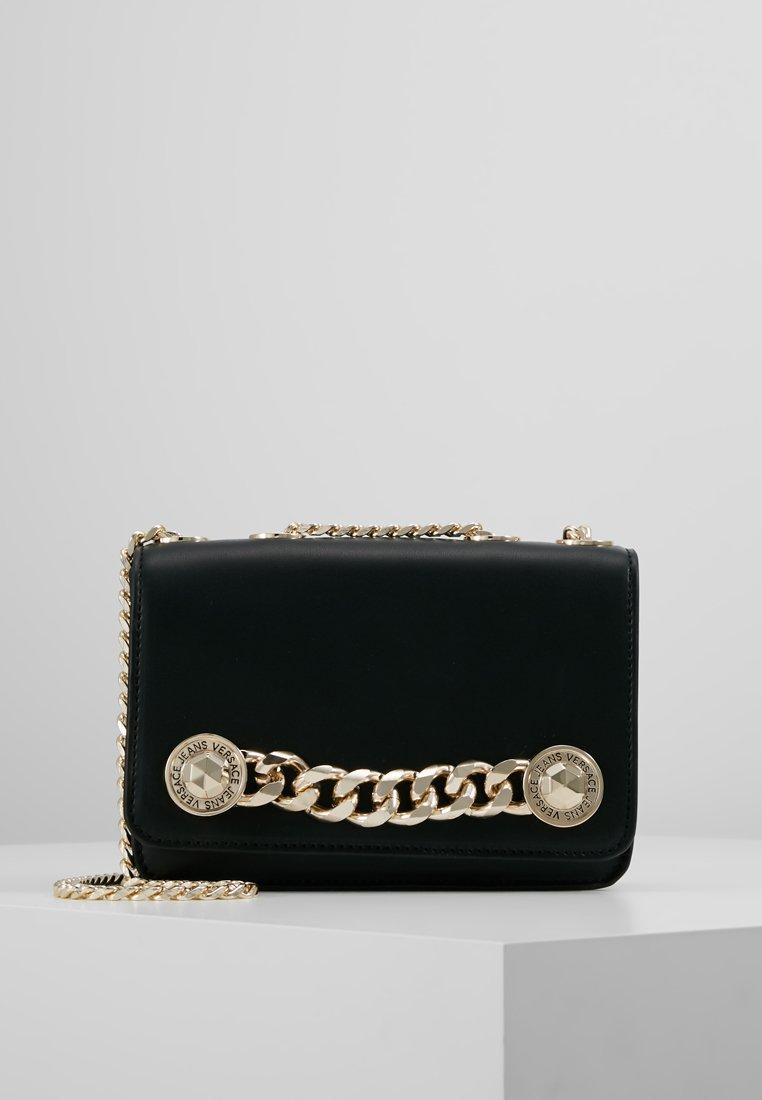 Versace Jeans - SHOULDER BAG CHAIN CLOSURE - Umhängetasche - nero