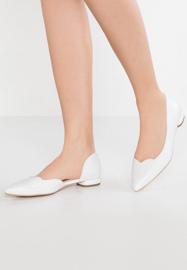 BIG HEART - Ballerinasko - white