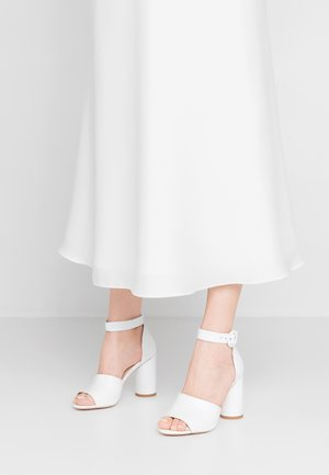 VIVIAN - Sandály na vysokém podpatku - white